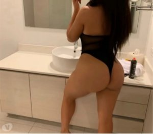 Jenane escort girls à Colomiers, 31