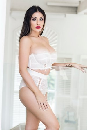 Livia escorte girl à Roussillon, 38